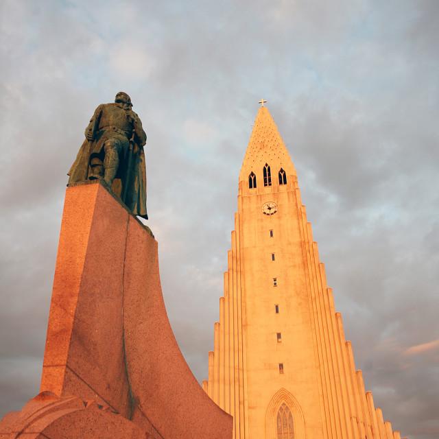 """Midnight sun on Hallgrímskirkja (Church of Iceland) cathedral, Reykjavík,..."" stock image"