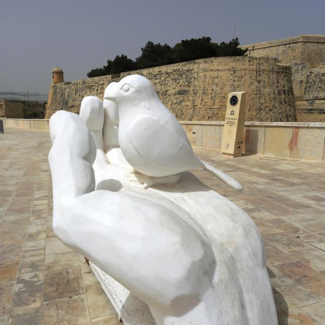 """Art Sculptures, Trio ir Repubblika, Valletta City, Malta"" stock image"
