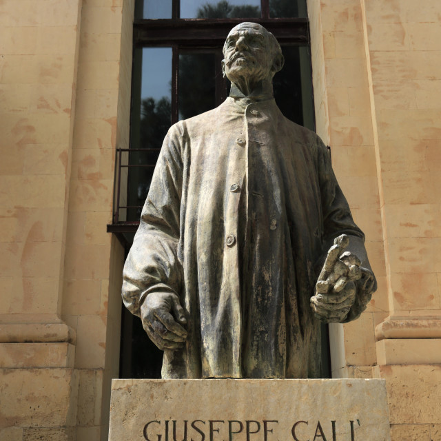 """""""Giuseppe Cali statue, Upper Barracca Gardens, within St Peter & Paul Bastion,..."""" stock image"""