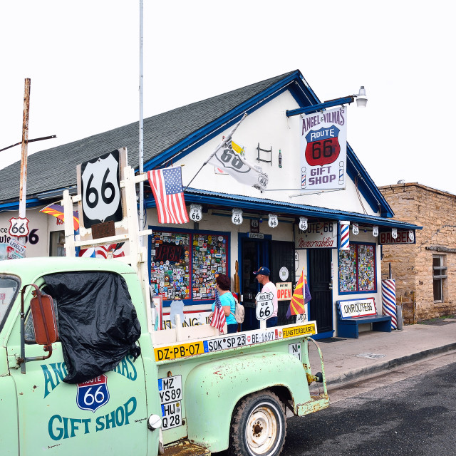"""""""Angel and Vilmas Route 66 Gift Shop."""" stock image"""