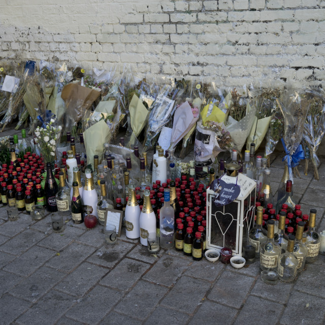 """""""Flower memorial to young victim of crime under railway arches by train and overground station, in Hackney,London,England,UK"""" stock image"""