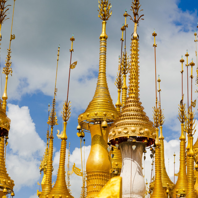"""""""The """"Thousand spires"""" gilded and decorated, on the hills around Inle Lake,..."""" stock image"""