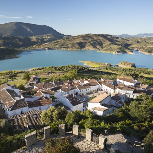 """View of white village and turquoise coloured reservoir, Zahara de la Sierra,..."" stock image"