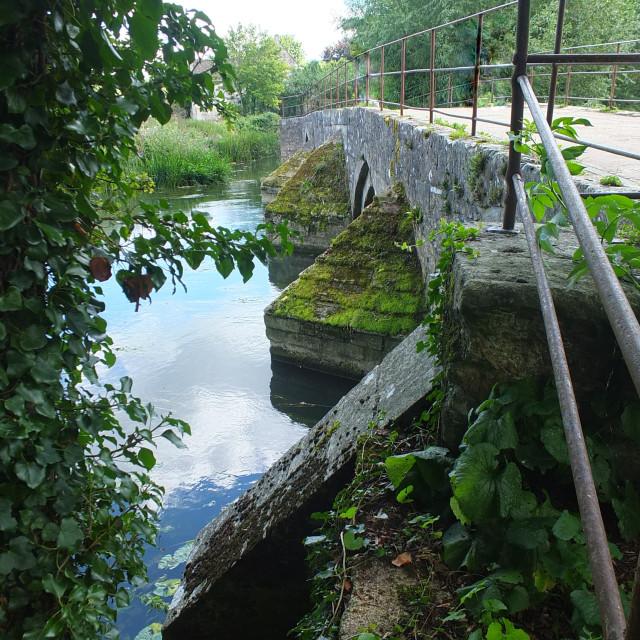 """""""Bridge On The Avon"""" stock image"""
