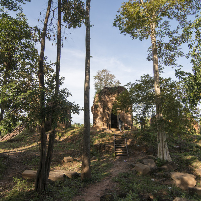 """CAMBODIA ANLONG VENG TRAPEANG KHMER TEMPLE"" stock image"