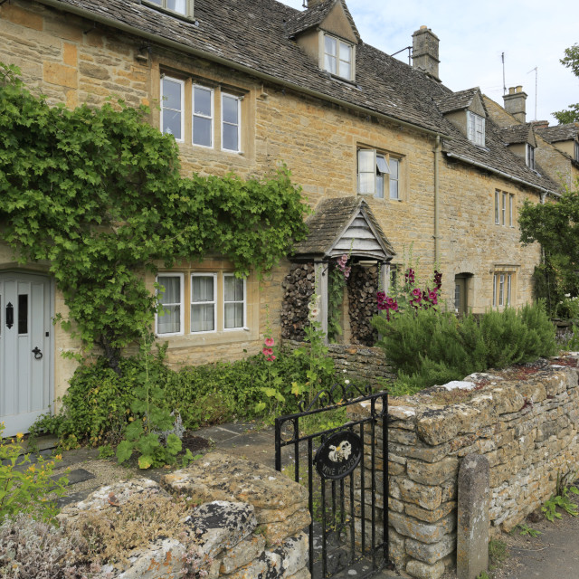 """""""Summer view over Honey-Coloured Cottages, Lower Slaughter village,..."""" stock image"""
