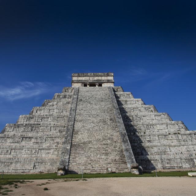 """""""El Castillo, Chichen Itza"""" stock image"""