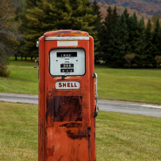 """""""Old style Shell gasoline pump"""" stock image"""