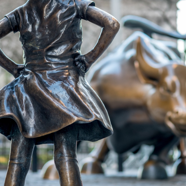 """""""The Fearless Girl statue facing Charging Bull"""" stock image"""