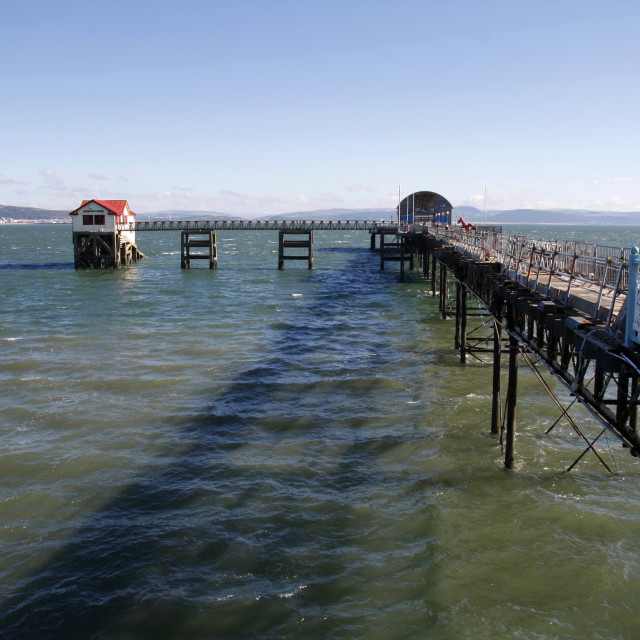 """""""Mumbles pier and RNLI lifeboat station, Swansea"""" stock image"""
