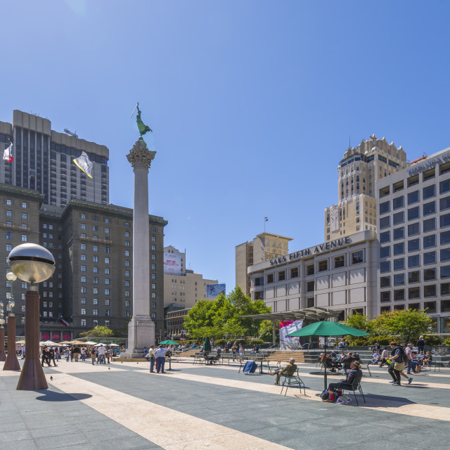 """""""View of buildings and visitors in Union Square, San Francisco, California,..."""" stock image"""
