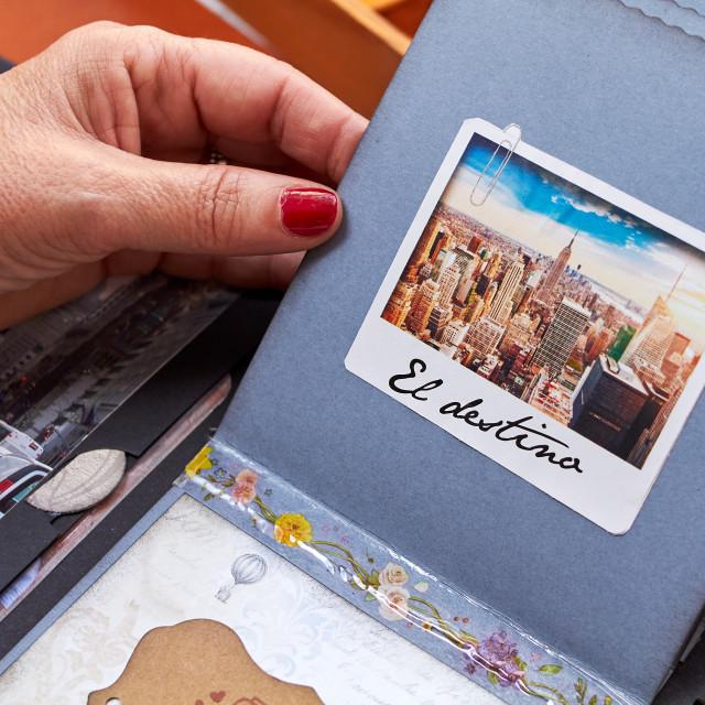 """Scapbook new york album with textured paper el destino"" stock image"