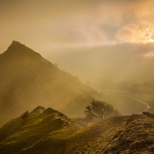 """""""Rays through the mist at Parkhouse Hill, Peak District"""" stock image"""