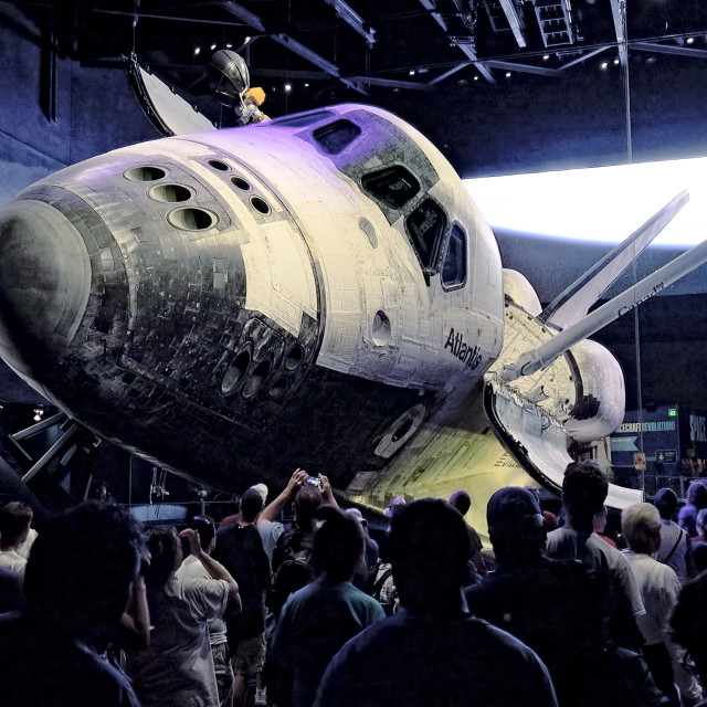 """""""Crowd of Visitors View Space Shuttle Atlantis at Kennedy Space Center in..."""" stock image"""
