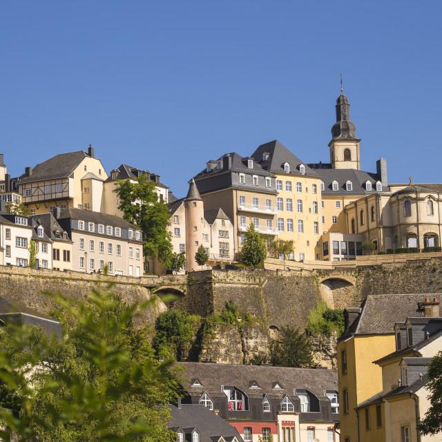 """""""Luxembourg, Luxembourg City, The Corniche (Chemin de la Corniche) above The..."""" stock image"""