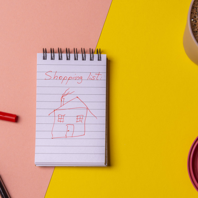 """""""House sketch draw on in a shopping list. House buying concept"""" stock image"""