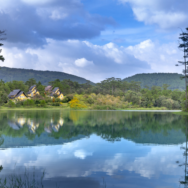 """""""beautiful pictures of the three villas in Binh An resort reflecting on Tuyen Lam Lake"""" stock image"""