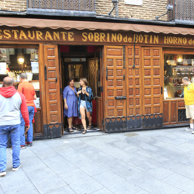 """Restaurant Sobrino de Botin, Madrid city centre, Spain from 1725 claims to be..."" stock image"