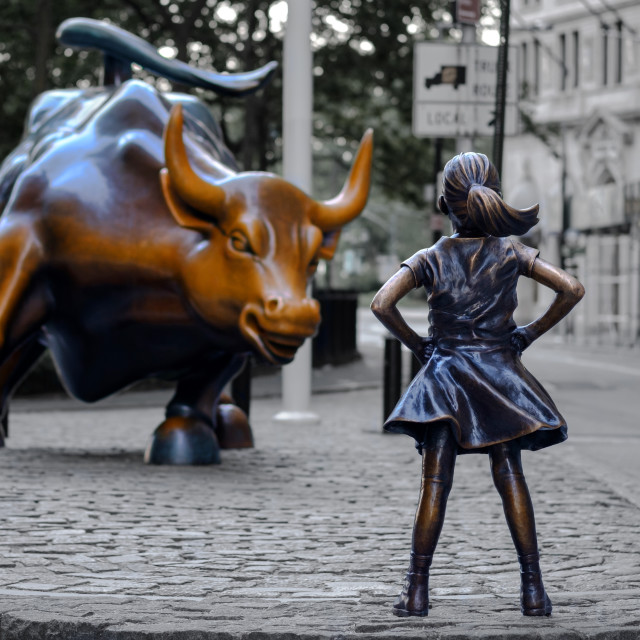 """""""The Fearless Girl statue facing Charging Bull in Lower Manhattan"""" stock image"""