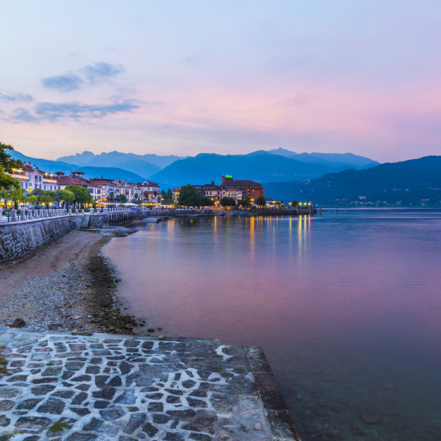 """""""View of lakeside restaurants at dusk in Stresa, Lago Maggiore, Piedmont,..."""" stock image"""