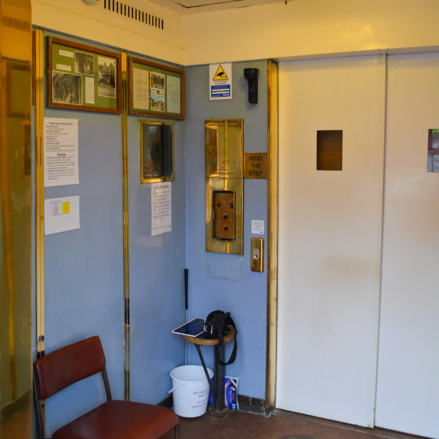 """""""Old Fashioned Lift at Shanklin"""" stock image"""