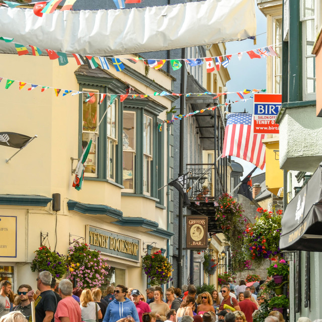 """""""Crowds of people in Tenby, West Wales."""" stock image"""