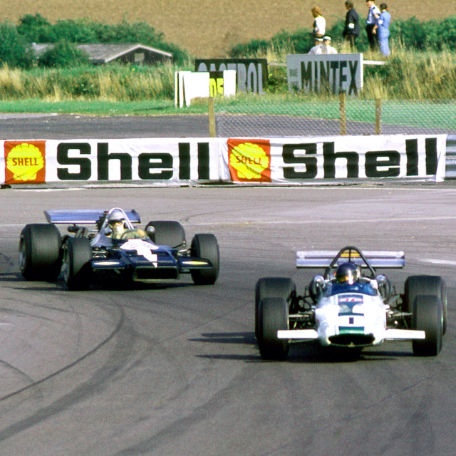 """""""F5000 cars at Thruxton Peter Gethin in Sid Taylor's Lola in the"""" stock image"""