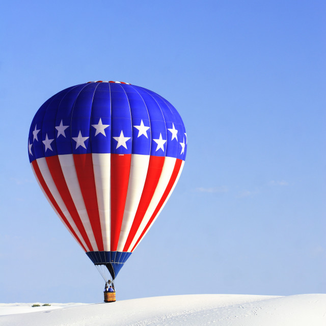 """""""Red, white and blue hot air balloon, White Sands National Monument Balloon Festival, near Alamogordo, New Mexico USA"""" stock image"""