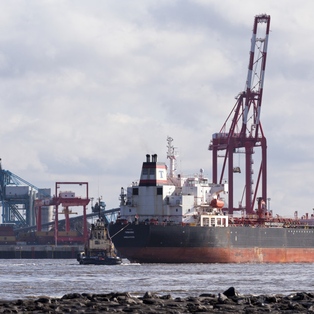 """Tanker arrives on The Mersey"" stock image"