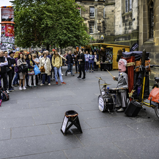 """""""The Drumming Puppet at the 2018 Edinburgh Festival"""" stock image"""
