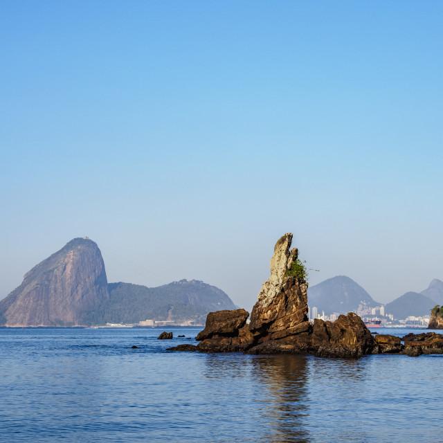 """View over Icarai Rocks towards Sugarloaf Mountain, Niteroi, State of Rio de..."" stock image"
