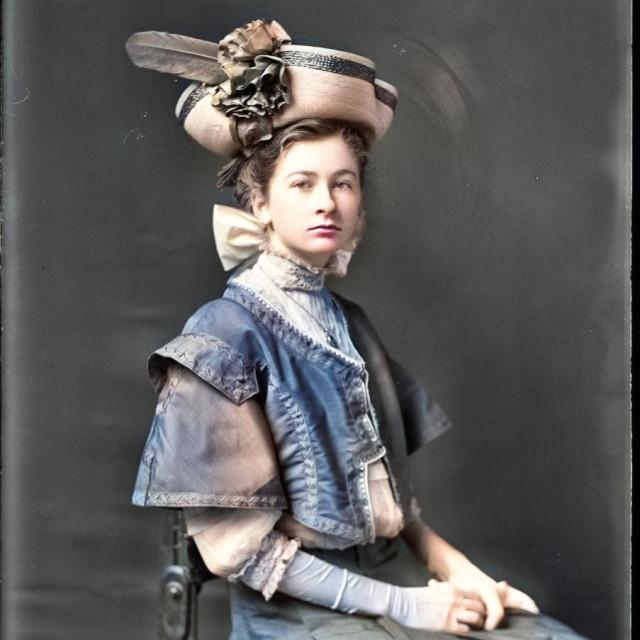 """VINTAGE STUDIO PORTRAIT OF BEAUTIFUL WOMAN"" stock image"