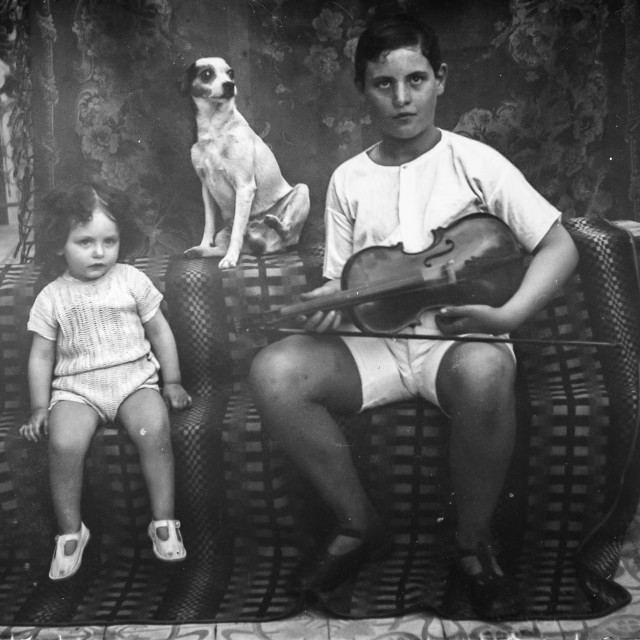 """VINTAGE FAMILY PORTRAIT"" stock image"