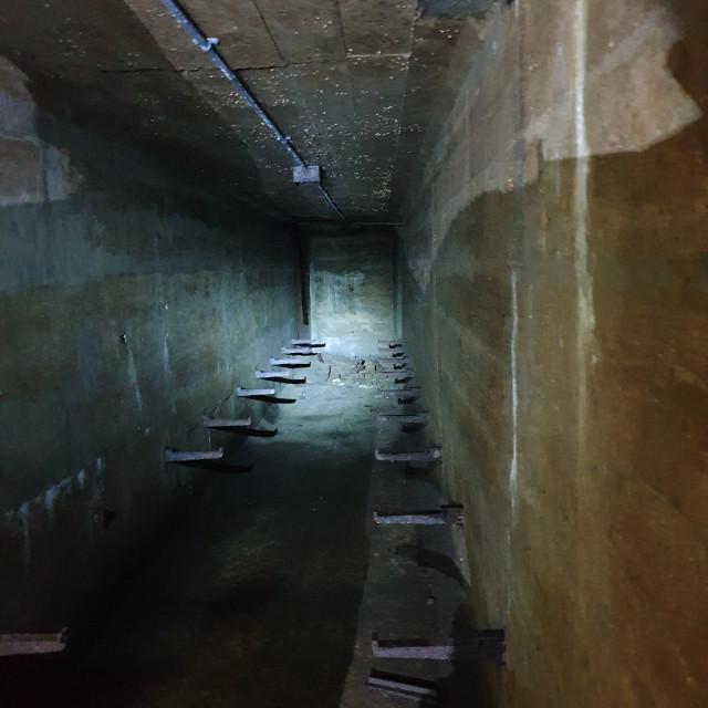 """Ww2 sub terrain air raid shelter, underneath Luton"" stock image"