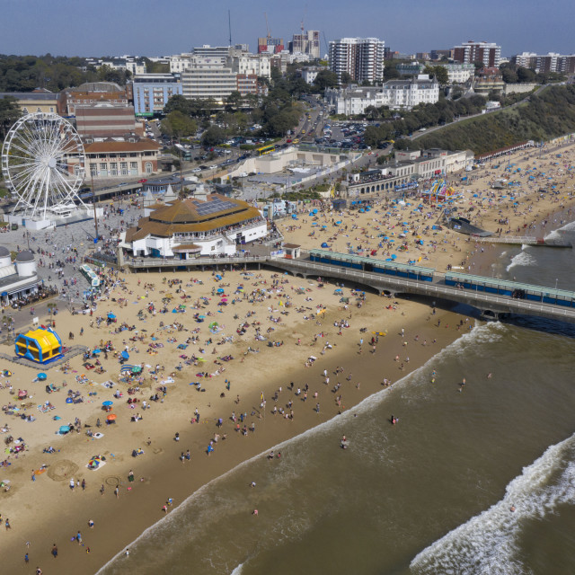 """Beach goers pack out Bournemouth Beach"" stock image"
