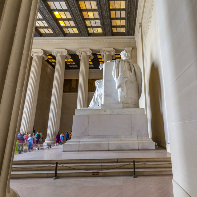 """""""View of visitors around the statue of Abraham Lincoln, Lincoln Memorial, Washington DC USA"""" stock image"""
