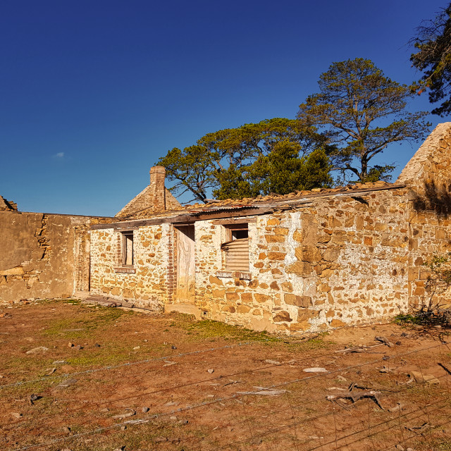 """""""Abandoned Goulburn Sandstone Homestead - front view."""" stock image"""