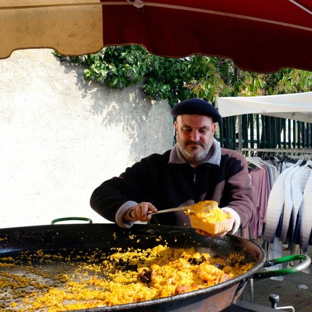 """""""Paella vendor"""" stock image"""