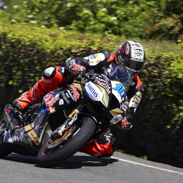 """""""Peter Hickman at the Isle of Man TT 2019 on the Trooper Beer 675 Triumph"""" stock image"""