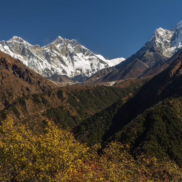 """Dudh Koshi Valley - view from the traverse between Namche Bazaar and and Kyangjuma. Everest Base Camp trek"" stock image"