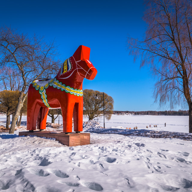 """""""Mora - March 30, 2018: Traditional Dalarna horse in the town of Mora in..."""" stock image"""