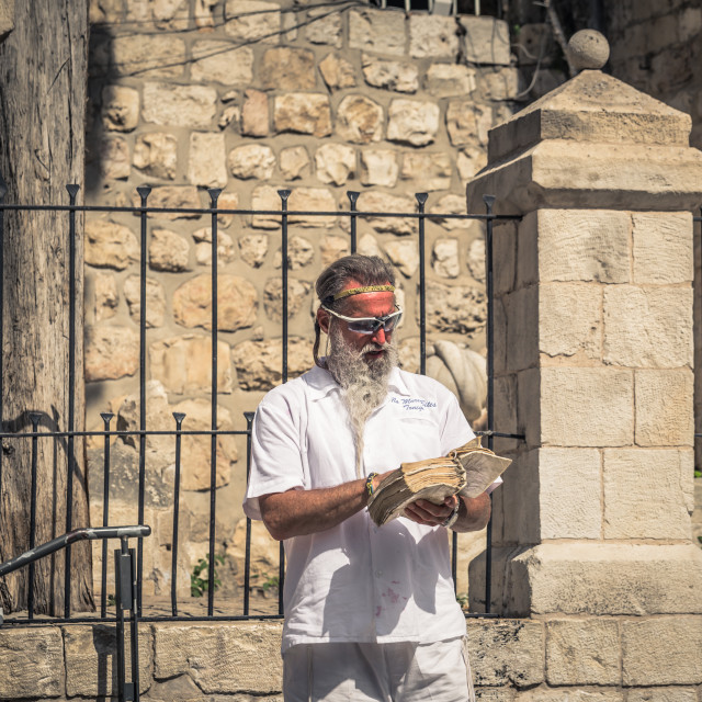 """""""Jerusalem - October 04, 2018: Christian preacher at the Jaffa Gate of the old..."""" stock image"""