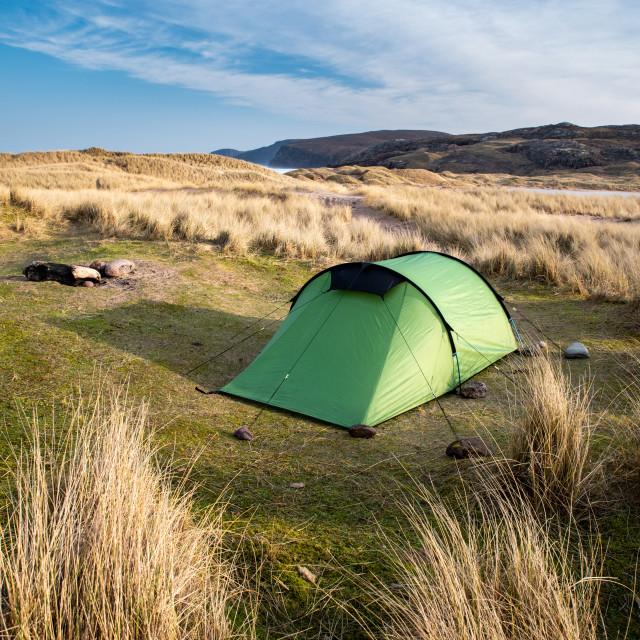 """Sandwood Bay, Sutherland, Scotland, UK. Early morning. Tent, wildcamping."" stock image"