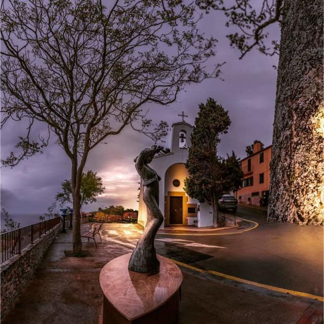 """""""Escultura en la noche"""" stock image"""