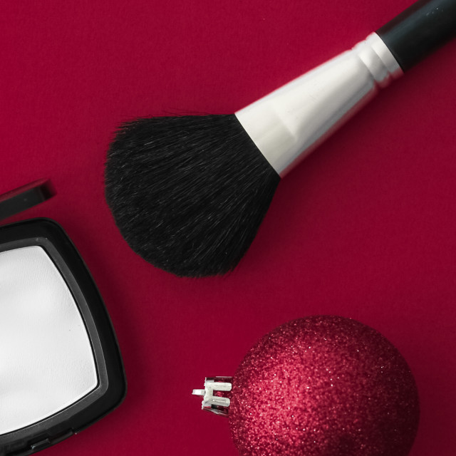 """Make-up and cosmetics product set for beauty brand Christmas sale promotion,..."" stock image"