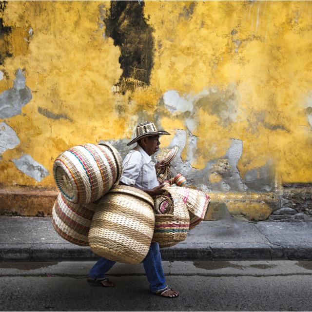 """""""Transportando cestos"""" stock image"""