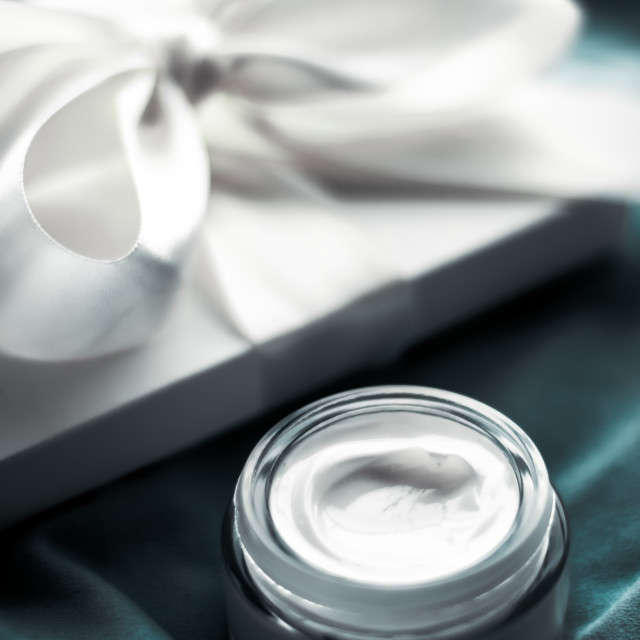 """""""Luxury face cream moisturizer for sensitive skin, spa cosmetics and natural..."""" stock image"""