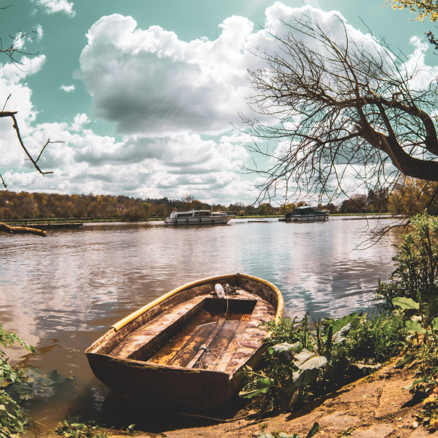 """""""Wrecked old boat along teh Thames riverside in Richmond-upon-thames, England"""" stock image"""