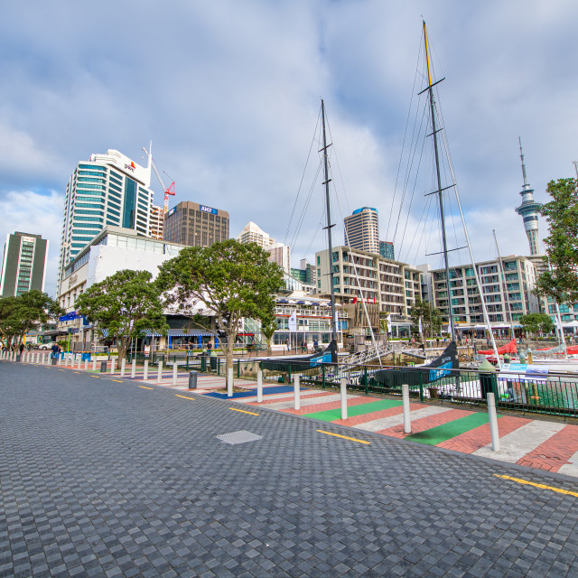 """""""AUCKLAND, NEW ZEALAND - AUGUST 26, 2018: City streets along the harbour on a..."""" stock image"""