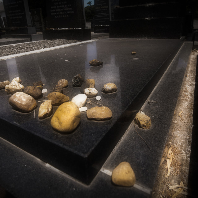 """In Memorium. RememberStones on a grave.ber."" stock image"